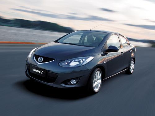 Фото автомобиля Mazda 2 DE, ракурс: 45