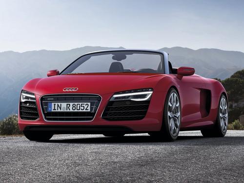 Фото автомобиля Audi R8 1 поколение [рестайлинг], ракурс: 45 цвет: красный
