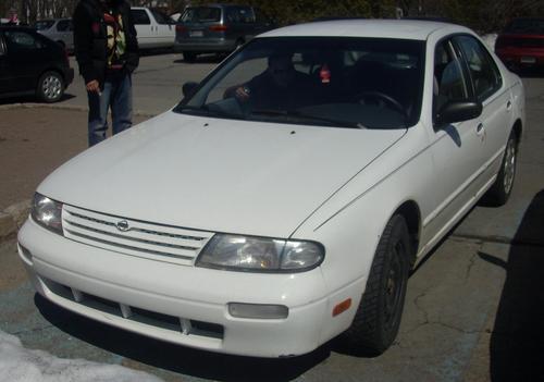 Фото автомобиля Nissan Altima U13 [рестайлинг], ракурс: 45