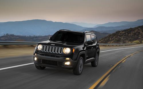 Фото автомобиля Jeep Renegade 1 поколение, ракурс: 45 цвет: черный