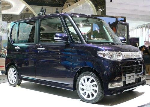 Фото автомобиля Daihatsu Tanto 2 поколение, ракурс: 45