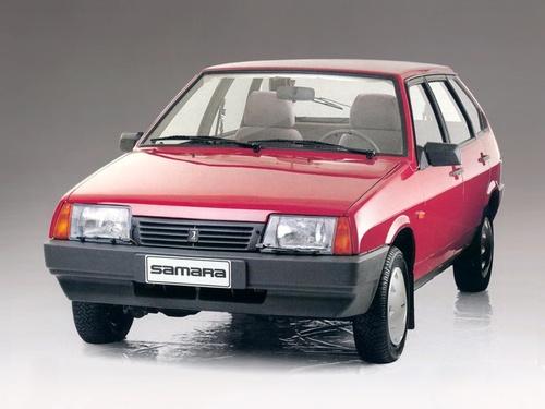 Фото автомобиля ВАЗ (Lada) 2109 1 поколение [рестайлинг], ракурс: 45 цвет: красный
