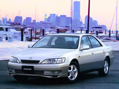 Фото автомобиля Toyota Windom MCV20, ракурс: 45