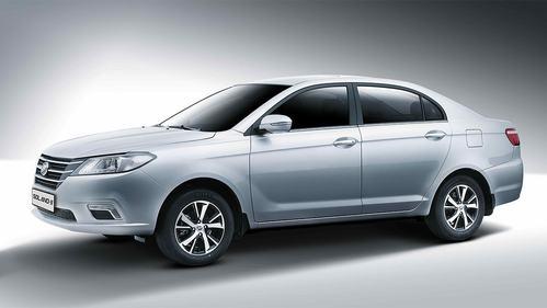 Фото автомобиля Lifan Solano 2 поколение, ракурс: 45 цвет: серебряный