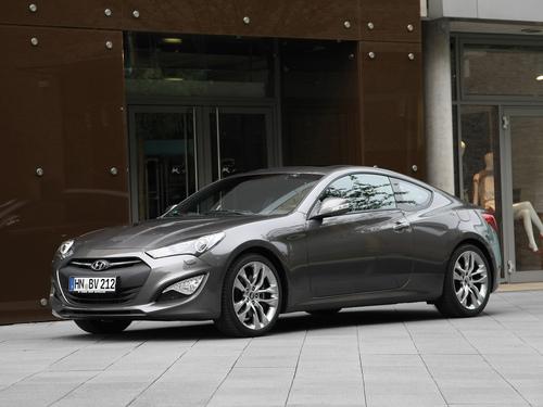 Фото автомобиля Hyundai Genesis 1 поколение [рестайлинг], ракурс: 45 цвет: серый