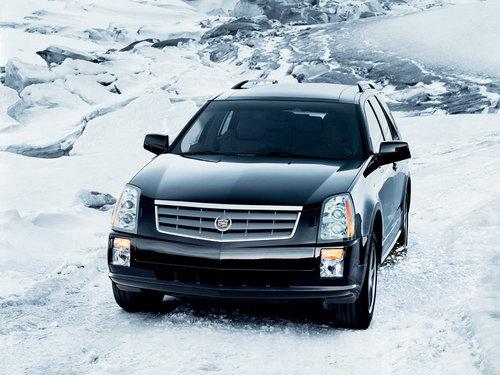 Фото автомобиля Cadillac SRX 1 поколение, ракурс: 45 цвет: черный