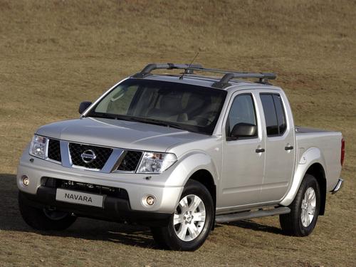 Фото автомобиля Nissan Navara D40, ракурс: 45