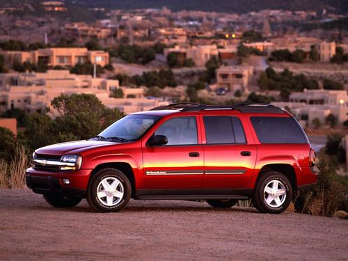Фото автомобиля Chevrolet TrailBlazer 1 поколение, ракурс: 45