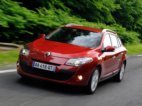 Фото автомобиля Renault Megane 3 поколение, ракурс: 45 цвет: красный