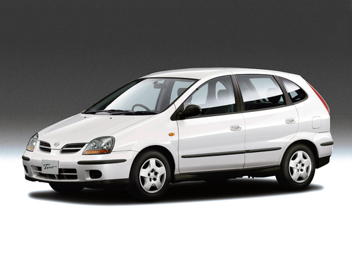 Фото автомобиля Nissan Tino V10, ракурс: 45