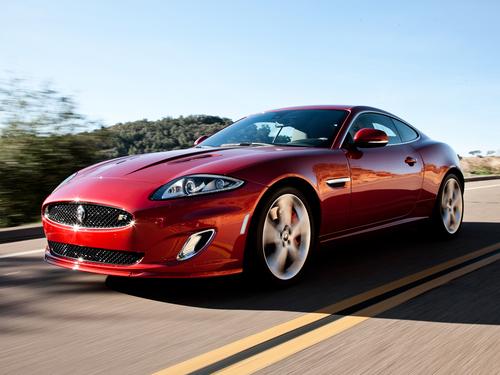 Фото автомобиля Jaguar XK X150 [2-й рестайлинг], ракурс: 45 цвет: красный