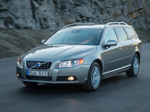 Фото автомобиля Volvo V70 3 поколение, ракурс: 45