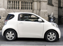 Фото авто Toyota iQ 1 поколение, ракурс: 270
