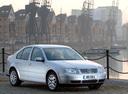 Фото авто Volkswagen Bora 1 поколение, ракурс: 315 цвет: серебряный