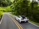 Фото авто Chevrolet Corvette C7, ракурс: 135 цвет: белый