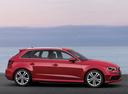 Фото авто Audi A3 8V, ракурс: 270 цвет: красный