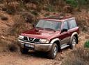 Фото авто Nissan Patrol Y61, ракурс: 45 цвет: бордовый