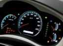 Фото авто Toyota Innova 1 поколение [2-й рестайлинг], ракурс: приборная панель