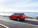 Фото авто Jaguar E-Pace 1 поколение, ракурс: 135 цвет: красный