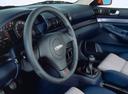 Фото авто Audi S4 B5/8D, ракурс: рулевое колесо