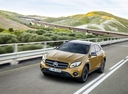 Фото авто Mercedes-Benz GLA-Класс X156 [рестайлинг], ракурс: 45 цвет: золотой