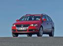 Фото авто Volkswagen Passat B6,  цвет: красный