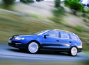 Фото авто Volkswagen Passat B6, ракурс: 90 цвет: синий