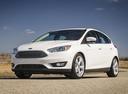Фото авто Ford Focus 3 поколение [рестайлинг], ракурс: 45 цвет: белый