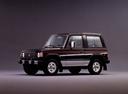Фото авто Mitsubishi Montero 1 поколение, ракурс: 45