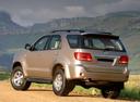Фото авто Toyota Fortuner 1 поколение, ракурс: 135