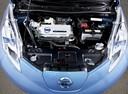 Фото авто Nissan Leaf 1 поколение, ракурс: двигатель
