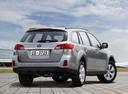 Фото авто Subaru Outback 4 поколение, ракурс: 225 цвет: серебряный
