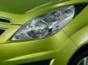 Фото авто Chevrolet Spark M300, ракурс: передние фары цвет: салатовый