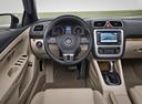 Фото авто Volkswagen Eos 1 поколение [рестайлинг], ракурс: рулевое колесо