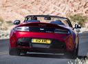 Фото авто Aston Martin Vantage 3 поколение [2-й рестайлинг], ракурс: 180 цвет: красный
