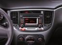 Фото авто Kia Rio 2 поколение [рестайлинг], ракурс: центральная консоль