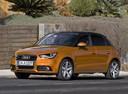 Фото авто Audi A1 8X, ракурс: 45 цвет: оранжевый