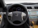 Фото авто Toyota Camry XV40, ракурс: рулевое колесо