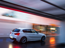 Фото авто BMW 1 серия F20/F21 [рестайлинг], ракурс: 225 цвет: белый