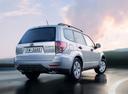 Фото авто Subaru Forester 3 поколение [рестайлинг], ракурс: 225 цвет: серебряный