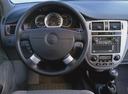 Фото авто Daewoo Nubira J200, ракурс: рулевое колесо