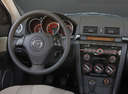 Фото авто Mazda 3 BK [рестайлинг], ракурс: рулевое колесо