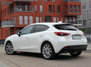 Фото авто Mazda 3 BM, ракурс: 135 цвет: белый