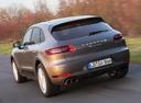Фото авто Porsche Macan 1 поколение, ракурс: 135 цвет: мокрый асфальт