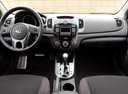 Фото авто Kia Cerato 2 поколение, ракурс: торпедо