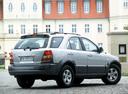 Фото авто Kia Sorento 1 поколение, ракурс: 225 цвет: серебряный