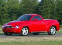 Фото авто Chevrolet SSR 1 поколение, ракурс: 45 цвет: красный