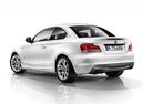 Фото авто BMW 1 серия E82/E88 [2-й рестайлинг], ракурс: 135 цвет: белый