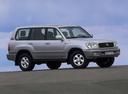 Фото авто Toyota Land Cruiser J100, ракурс: 315 цвет: серебряный
