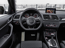 Фото авто Audi RS Q3 8U [рестайлинг], ракурс: торпедо